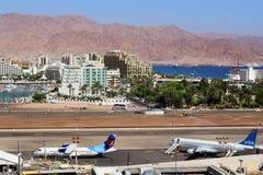 Avions dans l'aéroport à la station de vacances populaire - Eilat, Israël Photos libres de droits