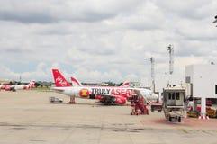 Avions dans l'aéroport de Bangkok Images stock