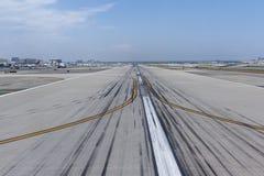 Avions dans l'aéroport international de LAX Photo libre de droits