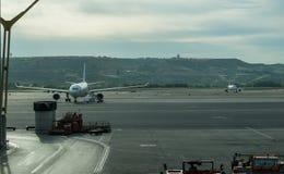Avions de Barajas garés à Madrid Photos libres de droits
