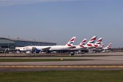 Avions de British Airways à l'aéroport de Londres Heathrow Photo stock