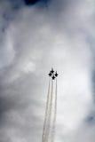 4 avions de chasse d'anges bleus montent Image stock