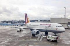 Avions de Germanwings dans l'aéroport de Cologne, Allemagne Photographie stock libre de droits