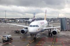 Avions de Germanwings dans l'aéroport de Cologne, Allemagne Images libres de droits