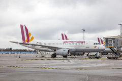 Avions de Germanwings dans l'aéroport de Cologne, Allemagne Photo libre de droits