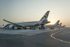 Avions de lignes aériennes d'Etihad Photos stock