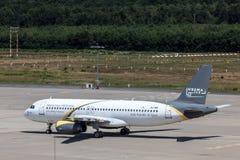 Avions de lignes aériennes de Nesma à l'aéroport de Cologne Bonn Images stock