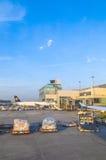 Avions de Lufthansa se tenant à Images libres de droits
