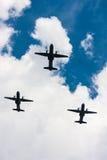 Avions de MAISON de C-295 M dans le ciel Image libre de droits
