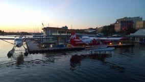 Avions de mer au coucher du soleil dans Victoria Image libre de droits