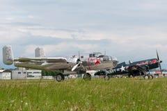 Avions de Nord-américain B-25 Mitchell Bomber de cru de la deuxième guerre mondiale exploités par la collection volante de taurea photo libre de droits