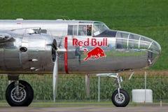 Avions de Nord-américain B-25 Mitchell Bomber de cru de la deuxième guerre mondiale exploités par la collection volante de taurea photo stock