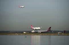 Avions de QANTAS à l'aéroport de Kingston_Smith, Sydney Images libres de droits