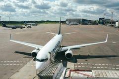 Avions de RYANAIR Boeing 737-8AS Photos libres de droits