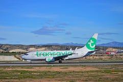 Avions de Transavia à l'aéroport d'Alicante Photo libre de droits
