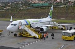 Avions de Transavia à l'aéroport de la Madère Photographie stock