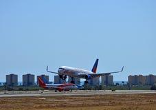 Avions des vacances Jet2 Photographie stock