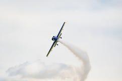 Avions légers dans la demi boucle Photo libre de droits