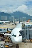 Avions maintian dans l'aéroport de Hong Kong Photographie stock libre de droits