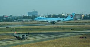 Avions militaires de cargaison de la MAISON C-295M images libres de droits