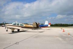 Avions stationnés Images libres de droits