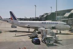 Avions sur le terminal. Aéroport de Barcelone. Espagne Photos libres de droits