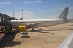 Avions sur le terminal. Aéroport de Barcelone. Espagne Photo stock
