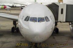 Avions sur le terminal d'aéroport Photographie stock