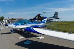 Avions ultra-légers italiens et avions de Lumière-sport, classe supérieure texane 600 de synthèse de mouche Image libre de droits