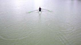 Aviron de canoë-kayak banque de vidéos