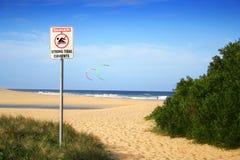 Aviso da praia Imagem de Stock Royalty Free