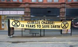 Aviso das alterações climáticas da rebelião da extinção em Manchester imagens de stock royalty free