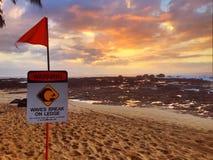 Aviso havaiano do por do sol Fotografia de Stock
