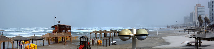 aviv海滩tel 免版税图库摄影