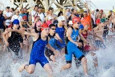 aviv lurar telefon-triathlon Arkivfoto