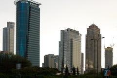 Aviv-Skyline nachts stockfotografie
