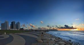 Aviv-Sonnenuntergang Stockfotos