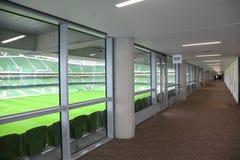 aviva大走廊空的体育场 库存图片