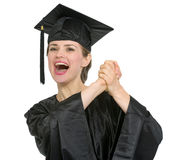 avläggande av examen isolerad jubla deltagarekvinna Royaltyfri Fotografi