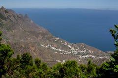 Avlägsen sikt över den Anaga kusten royaltyfria foton