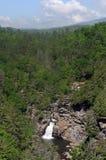 avlägsen vattenfall Royaltyfri Foto