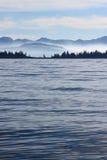 avlägsen shoreline Fotografering för Bildbyråer