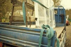 Avlastning för leveranslastbil Arkivbilder
