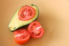 Avo und Tomate Lizenzfreies Stockfoto
