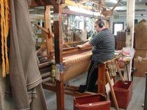 AVOCA, IRELAND-JUNE 12, 2007: Um homem não identificado Fotos de Stock