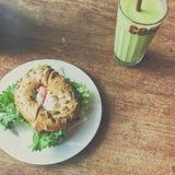 Avocado e salmone fotografia stock