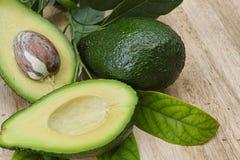 Avocado fresco verde Immagini Stock