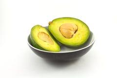 Avocado getrennt auf weißem Hintergrund stockbild