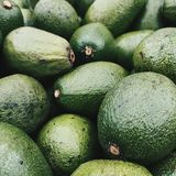 Avocado Ja jest dla sałatek lub kanapek zdjęcie royalty free