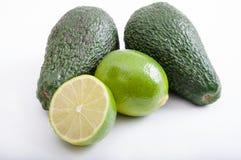 Avocado's en kalk Royalty-vrije Stock Foto's
